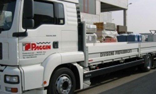 camion con logo aziendale promozionale