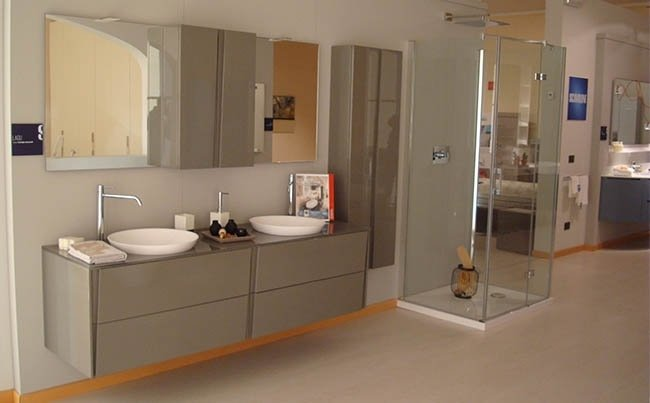 Arredamenti Lorenzini - Showroom - Bagni
