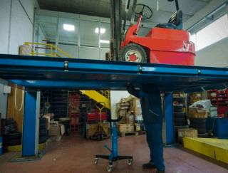 riparazione carrelli elevatori