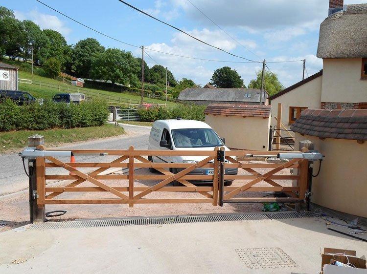 5-bar gate