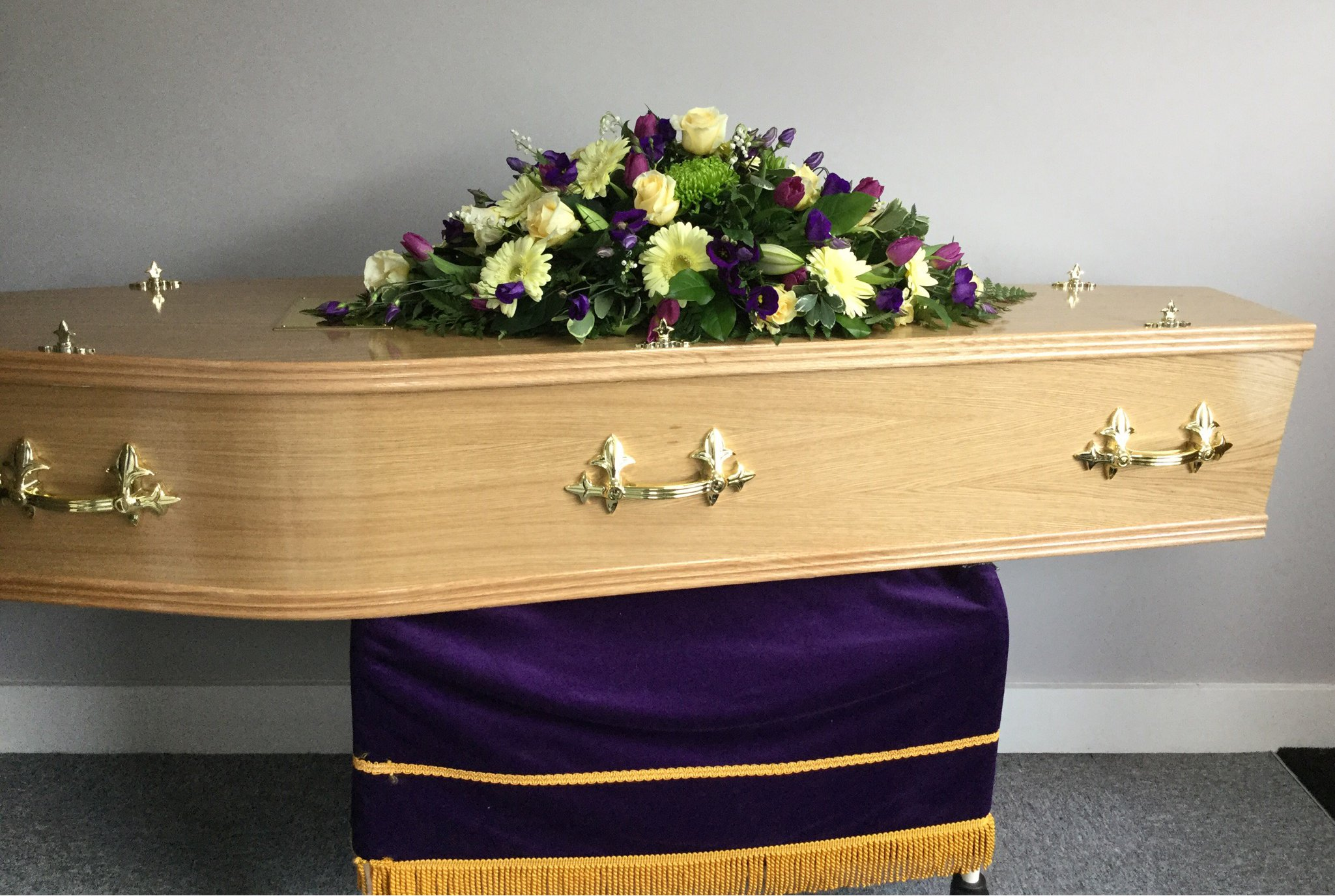 Coffins, hearses and funeral cars