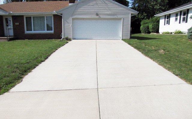 Concrete Driveway - Peoria, IL