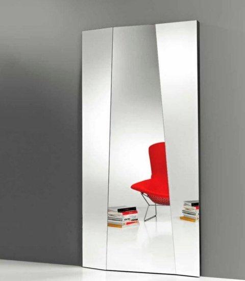 specchio con pannelli inclinati