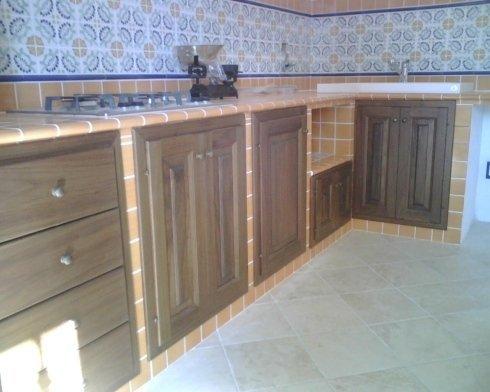 cucina con mobili ad incasso