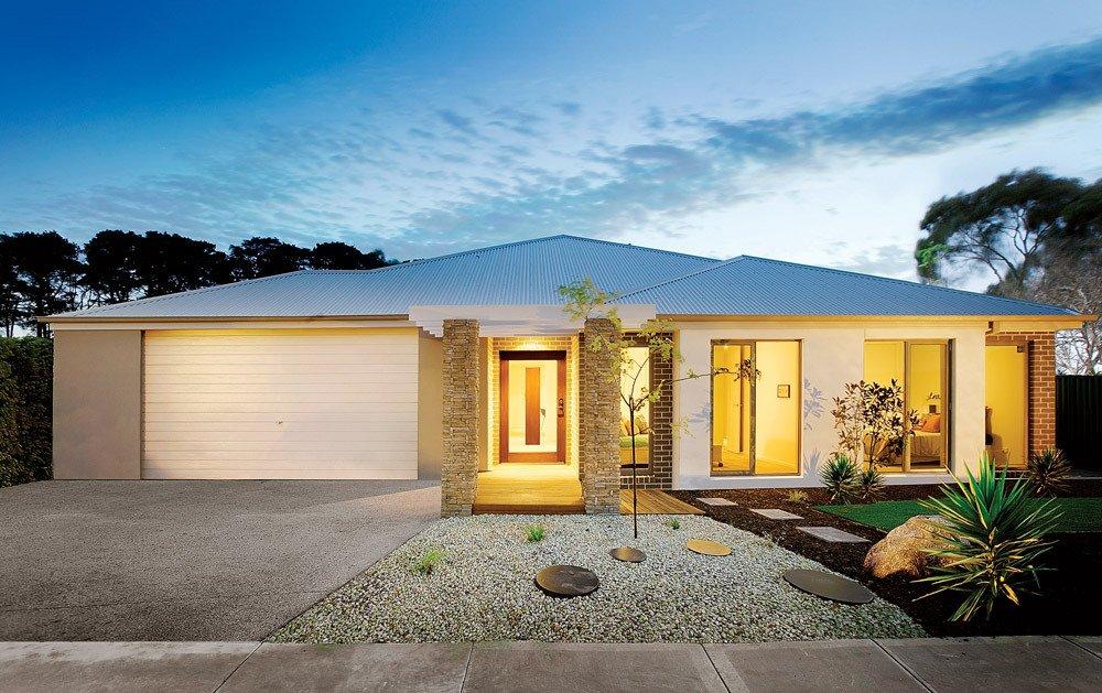 House with new garage doors by Complete Doors & Garage Doors | Mackay QLD | Complete Doors