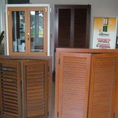 persiane in legno, serramenti