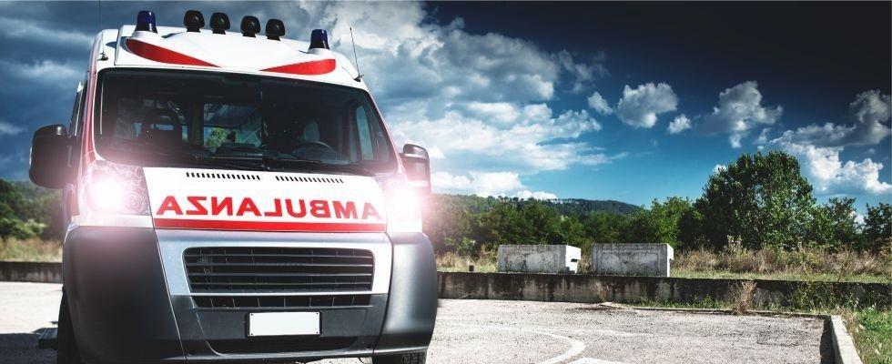 ambulanza privata, primo soccorso, trasporto infermi