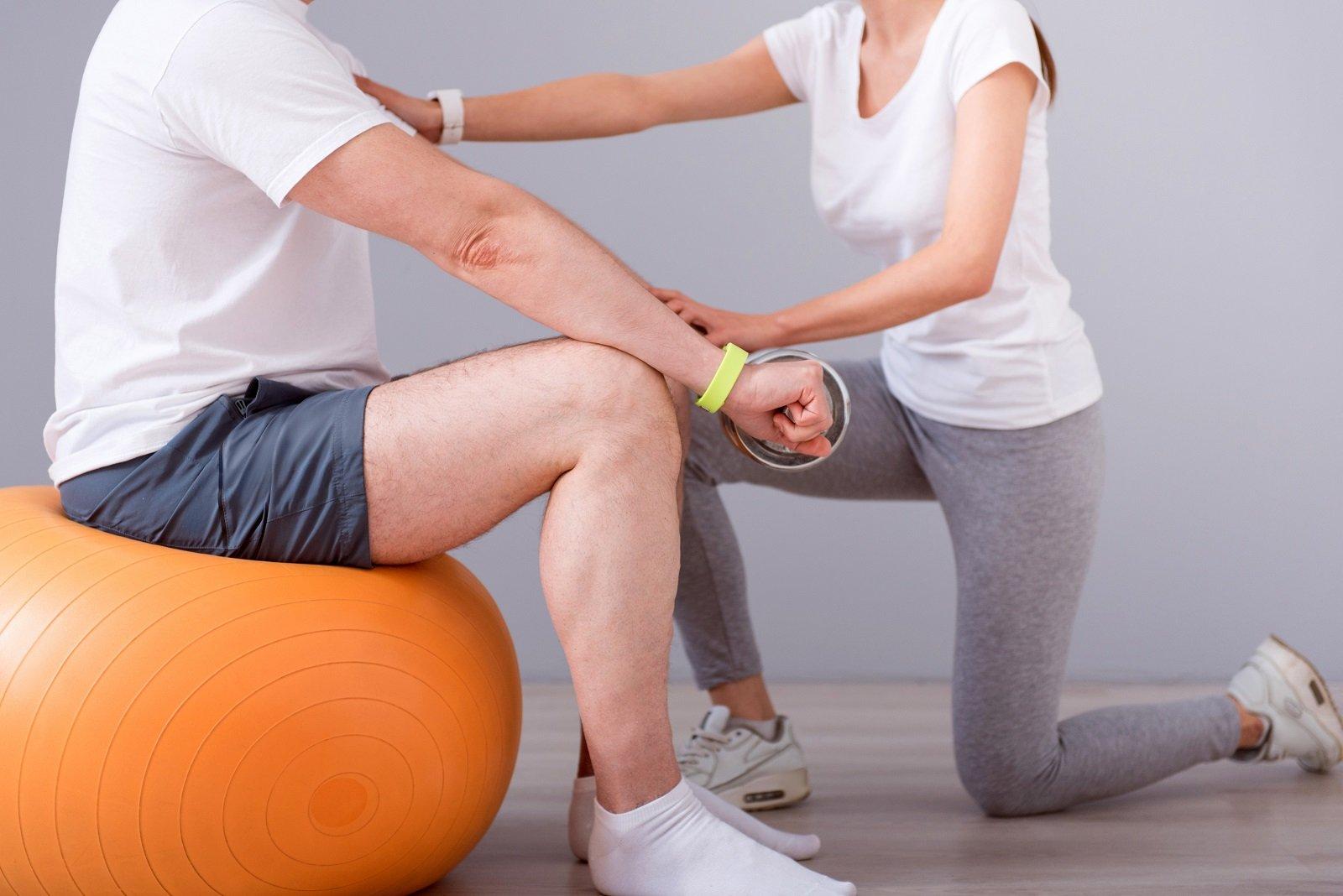 Sessione di fisioterapia posturale