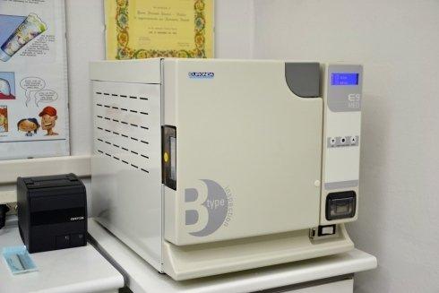 Autoclave di classe B per la sterilizzazione di ogni tipo di strumento