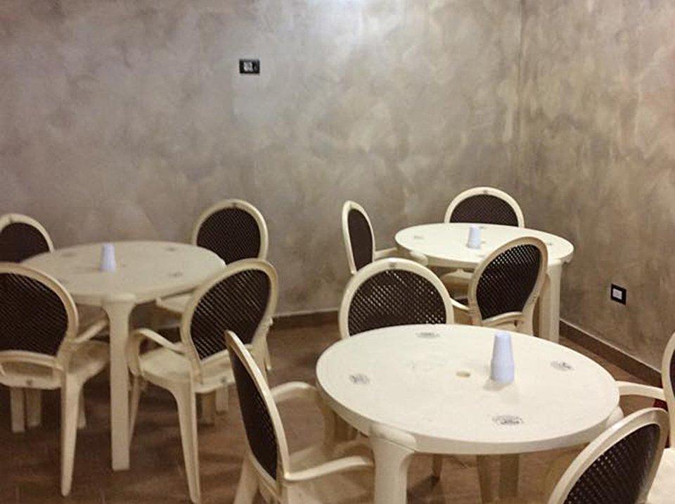 La sala interna della Pizzeria Kongo