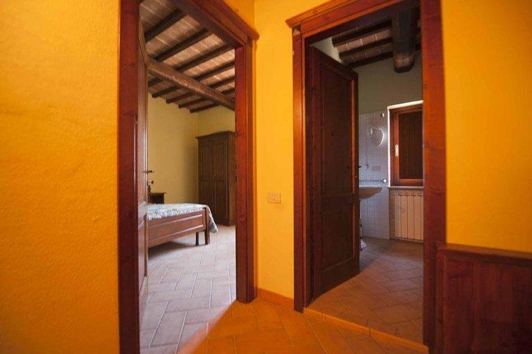 Cai Nuti Farmhousew - Holiday apartments with pool - Tenuta di Biscina - Gubbio