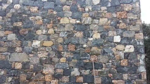 realizzazione muro in pietra
