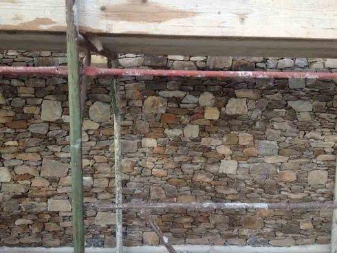 impalcatura muro esterno in pietra