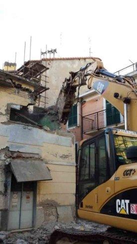 demolizione strutture civili