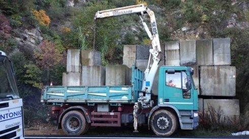 camion con grù