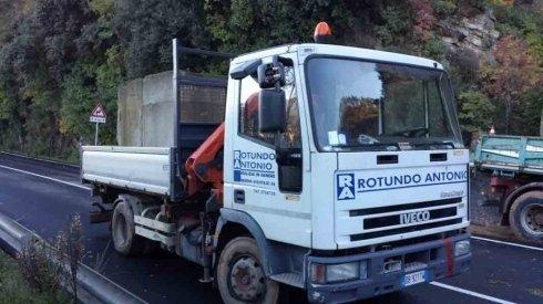 lavori di riparazioni stradali