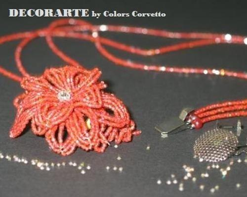 Collana floreale corallo