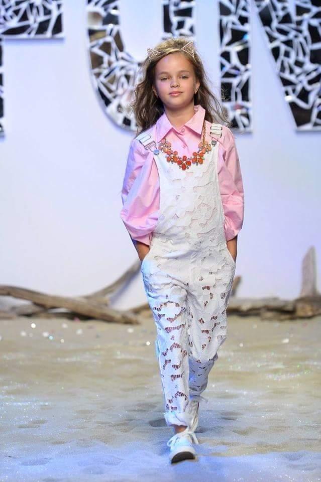 sfilate vestiti bambina