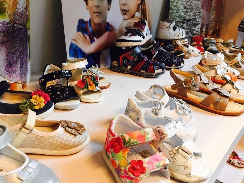 collezione scarpe bambino