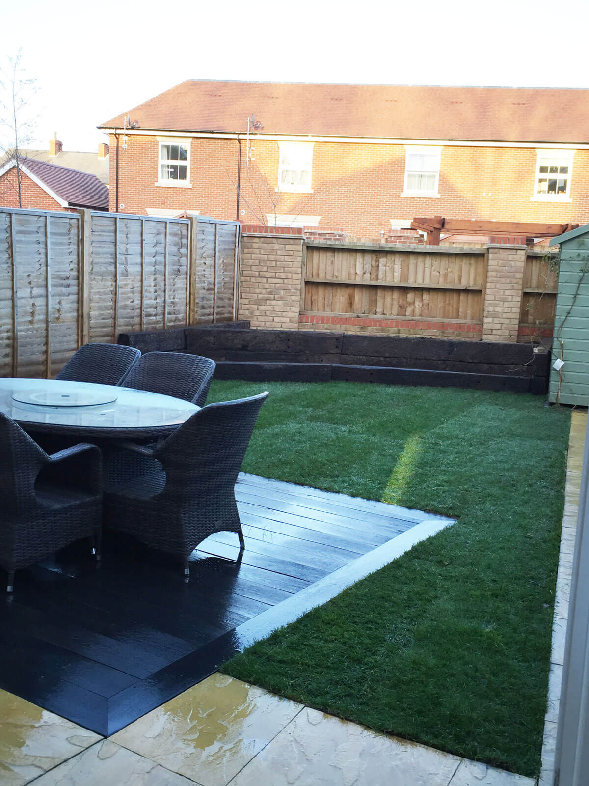 clean  back garden picture