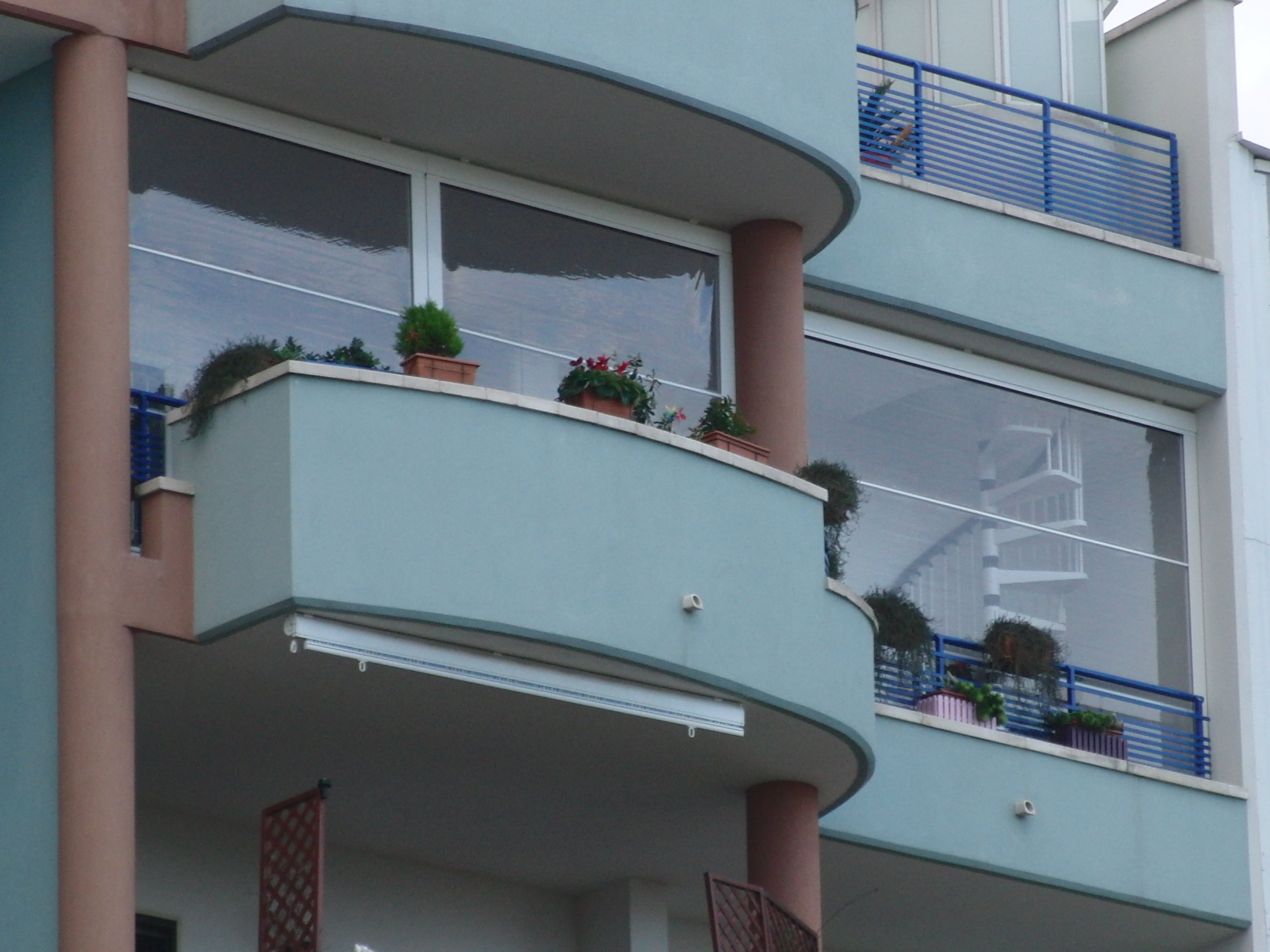 vetrate antipioggia antivento 10