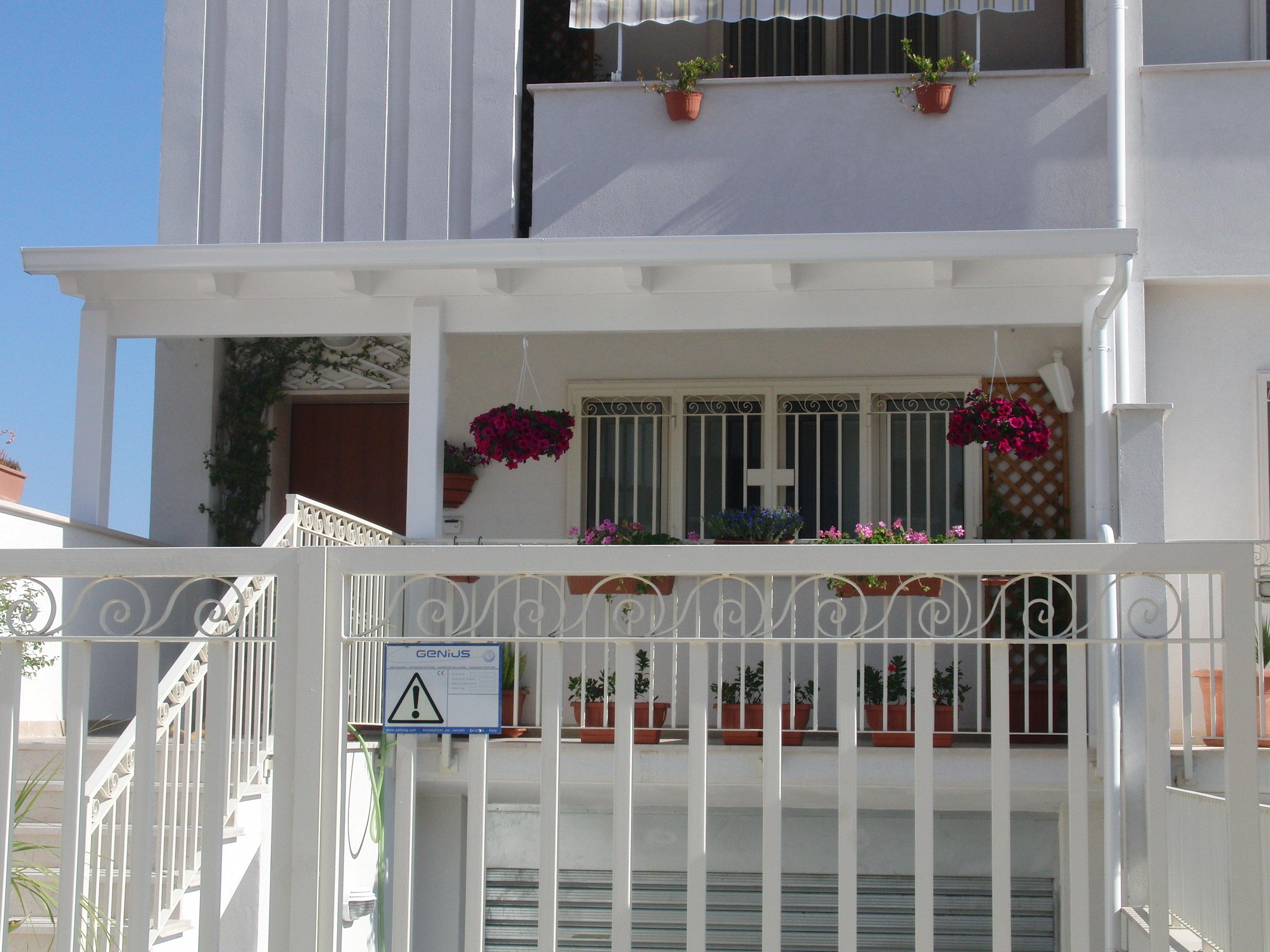Tettoia balcone su misura