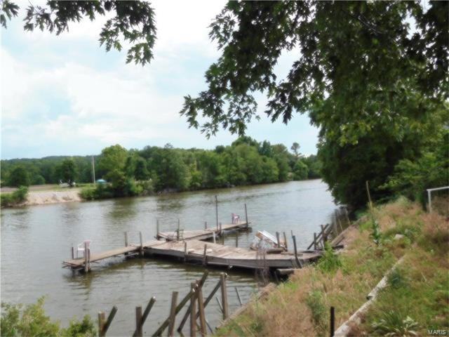 Gorgeous lot on waterfront-perfect for that weekend getaway