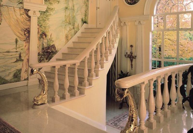 scale con ringhiera d`epoca