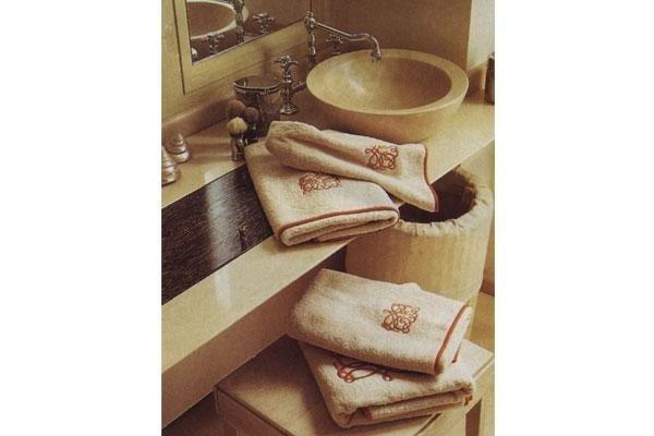 lavello con asciugamani