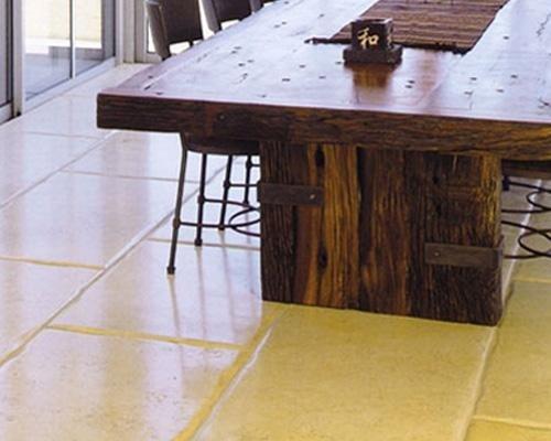 pavimento con piastrelle