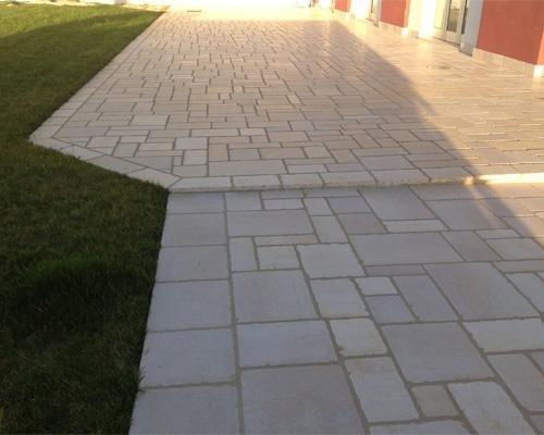 pavimento da esterno in mattoni
