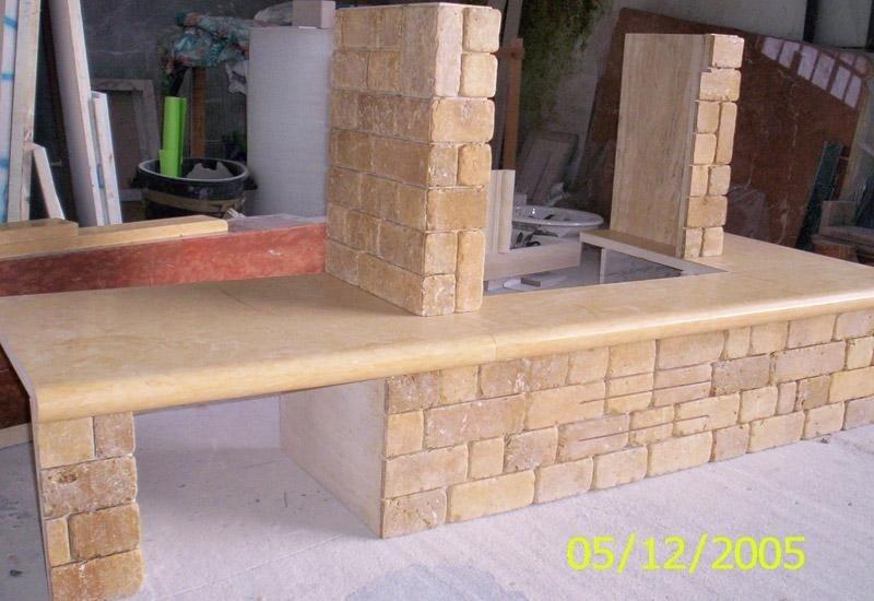 struttura in marmo e pietra