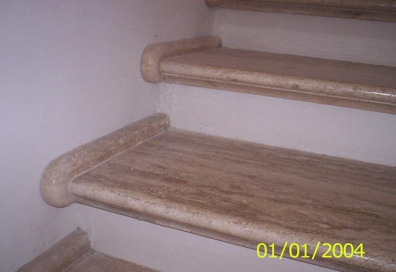 particolare di alcuni gradini in legno