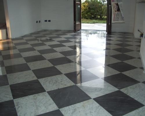 pavimento in marmo e rombi