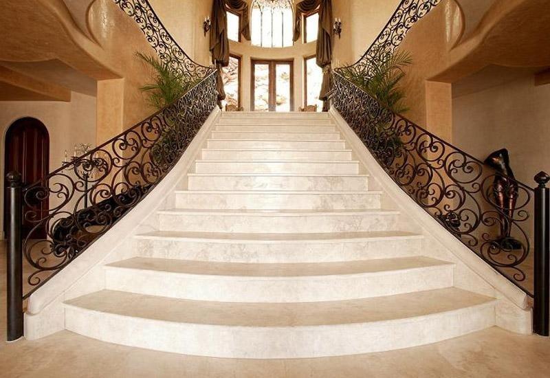 scalinata in marmo