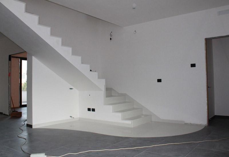 scale in un appartamento da ristrutturare