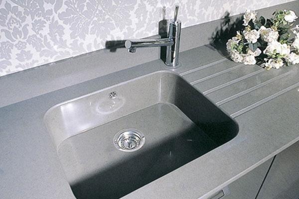 lavandino cucina color grigio