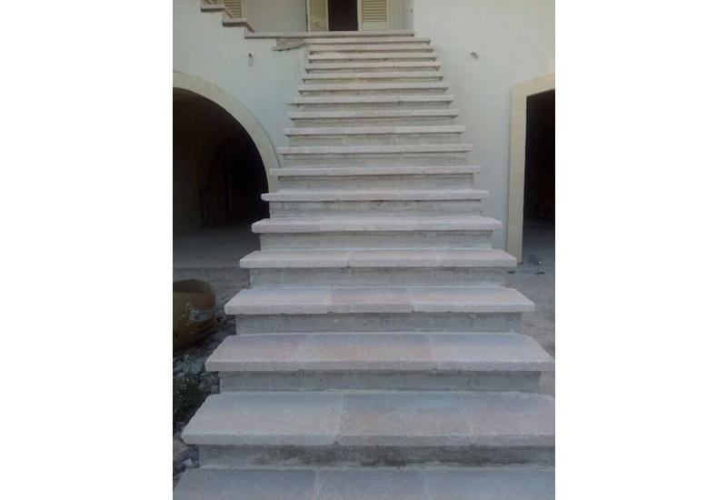scale per grandi spazi