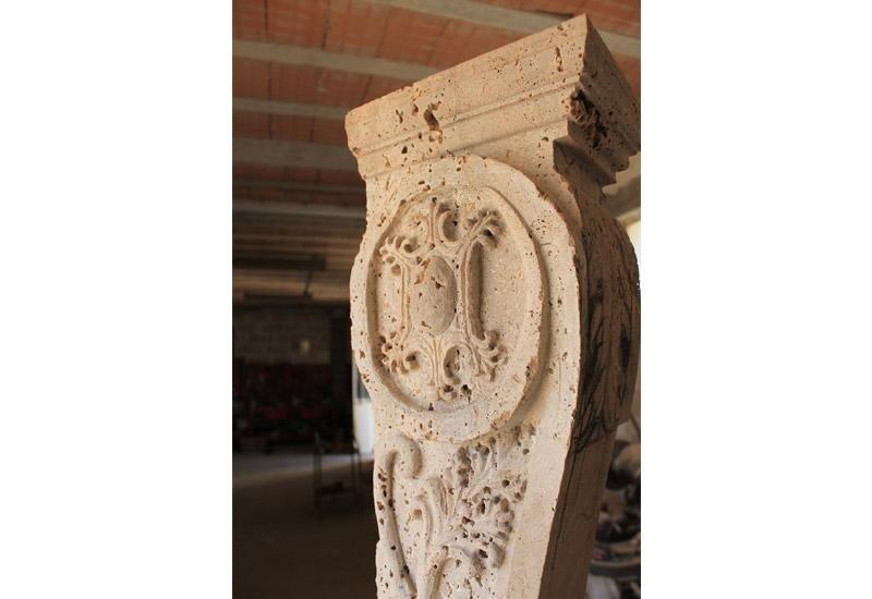 colonna intarsiata