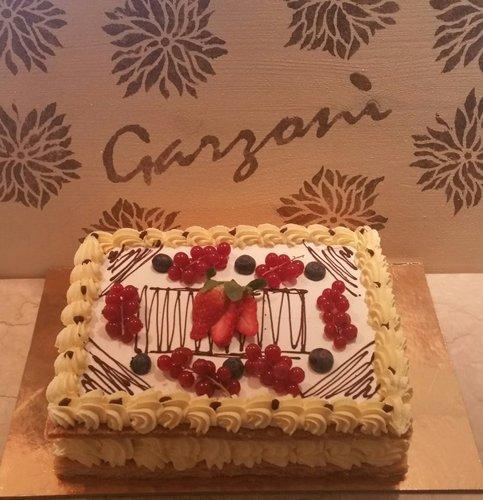torta alla crema con frutta