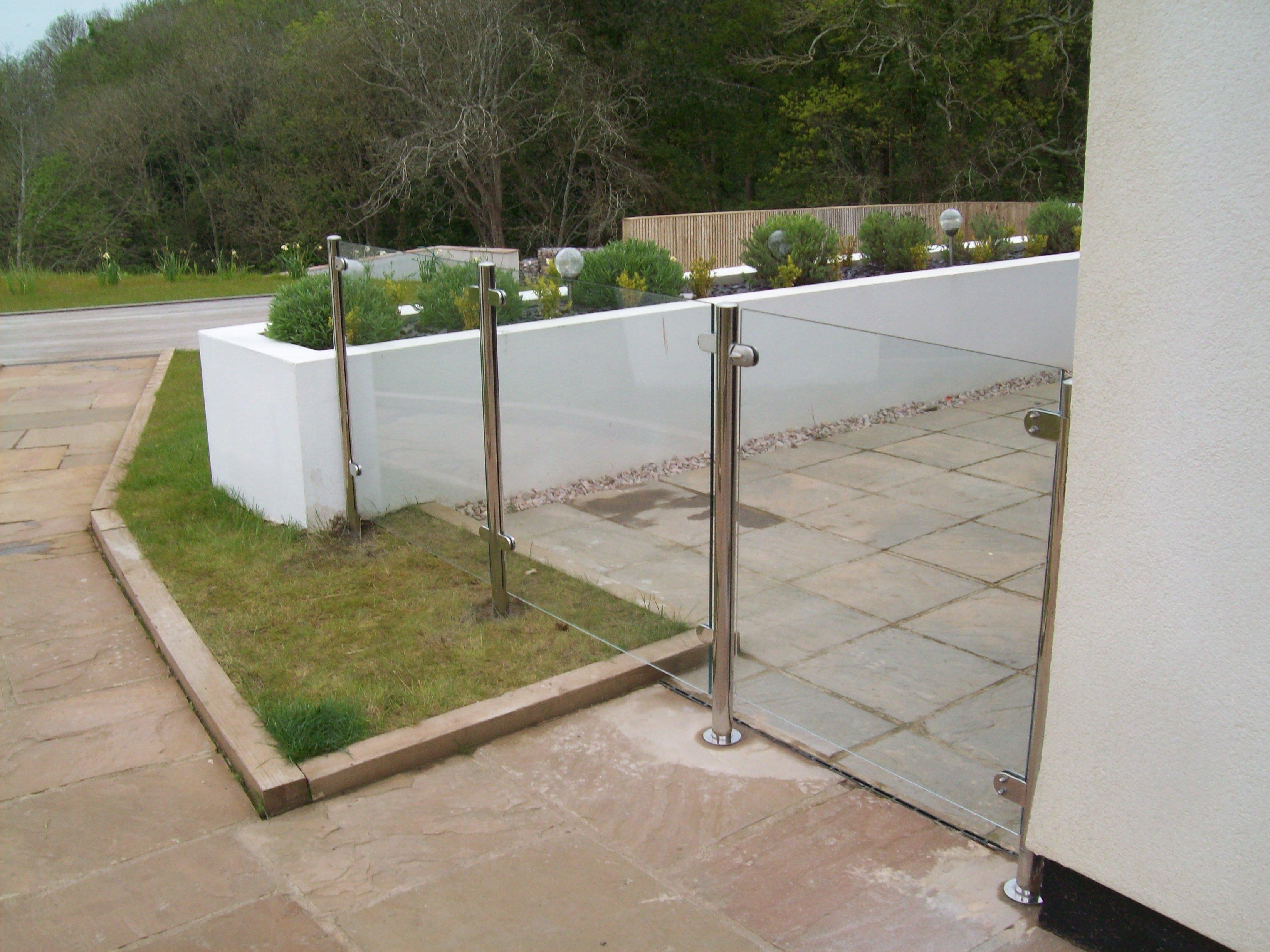 glass protective wall