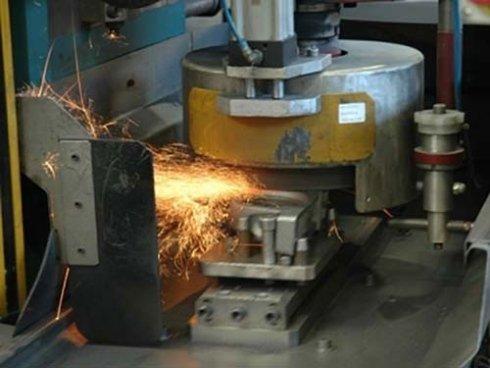 Sadatura a filo, saldatura elettrodo, finitura metalli