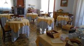 tavoli villa De Fanis