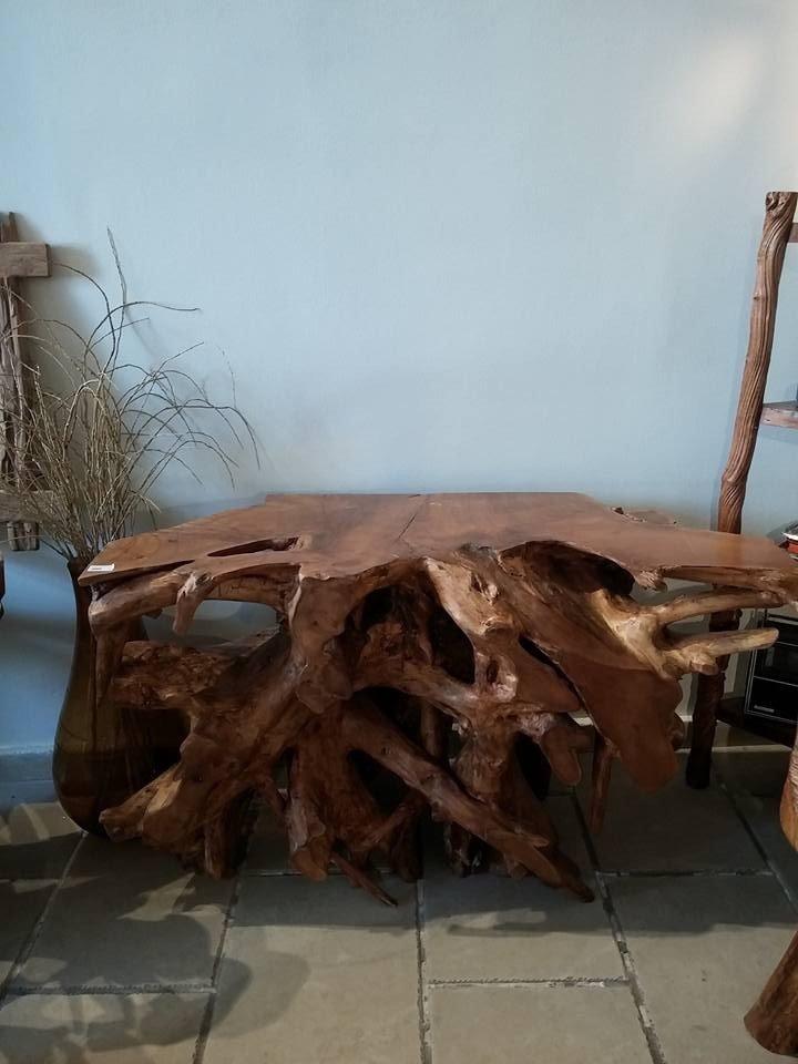 tavolo radice legno etnico scuro