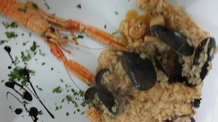 un piatto di risotto ai frutti di mare