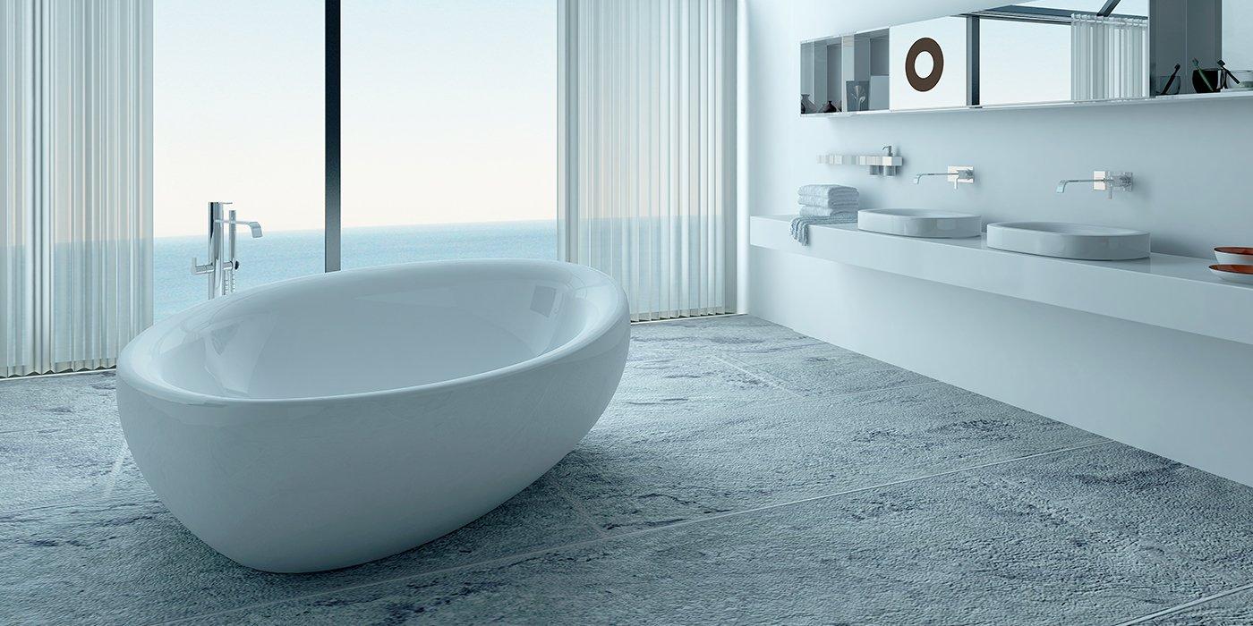 Un bagno minimal con una vasca