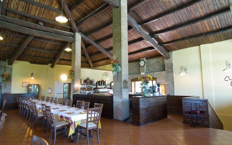 Tables dining room - Restaurant pizzeria Marechiaro