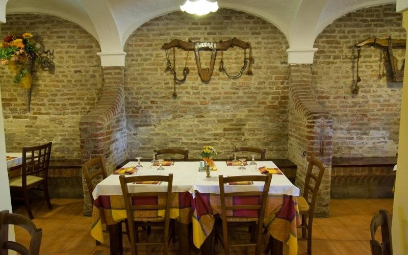 Restaurant interior - LA STALLA