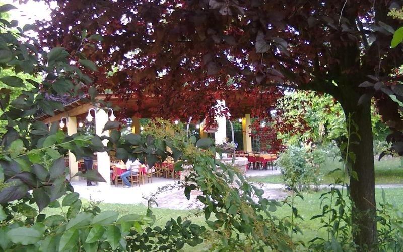 Giardino locale - Ristorante Pizzeria LA STALLA