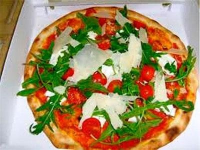Ruccola and cherry tomatoes - Pizzeria LA STALLA